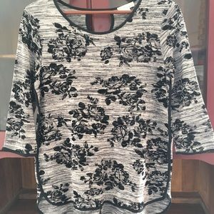 Misia Light Knit 3/4 Sleeve Floral Top Size M